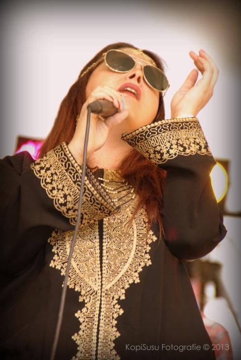 Va Fan Fahre: zangeres Aicha